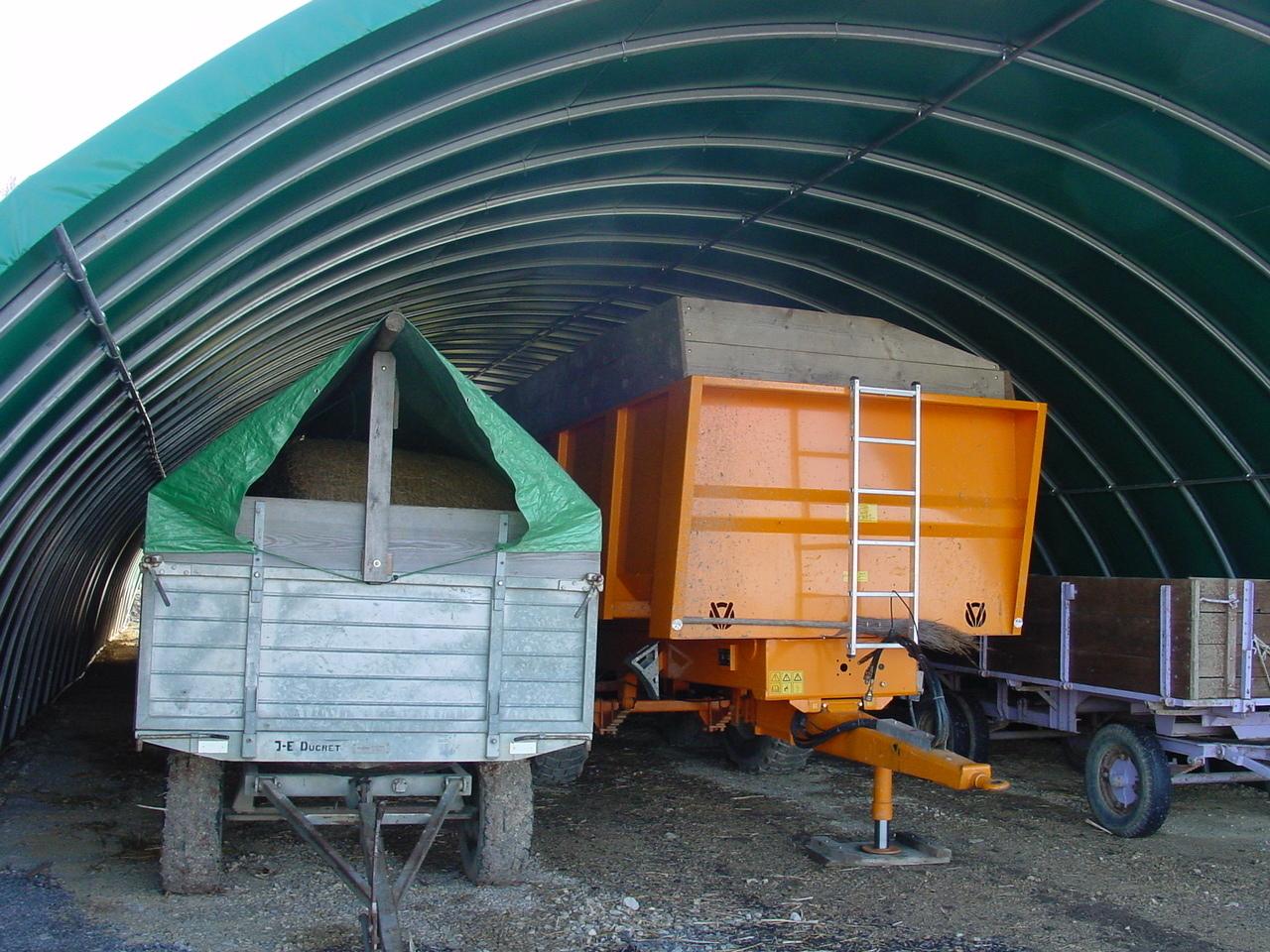 Mat riel agricole bretagne machine agricole bm for Abri de stockage agricole