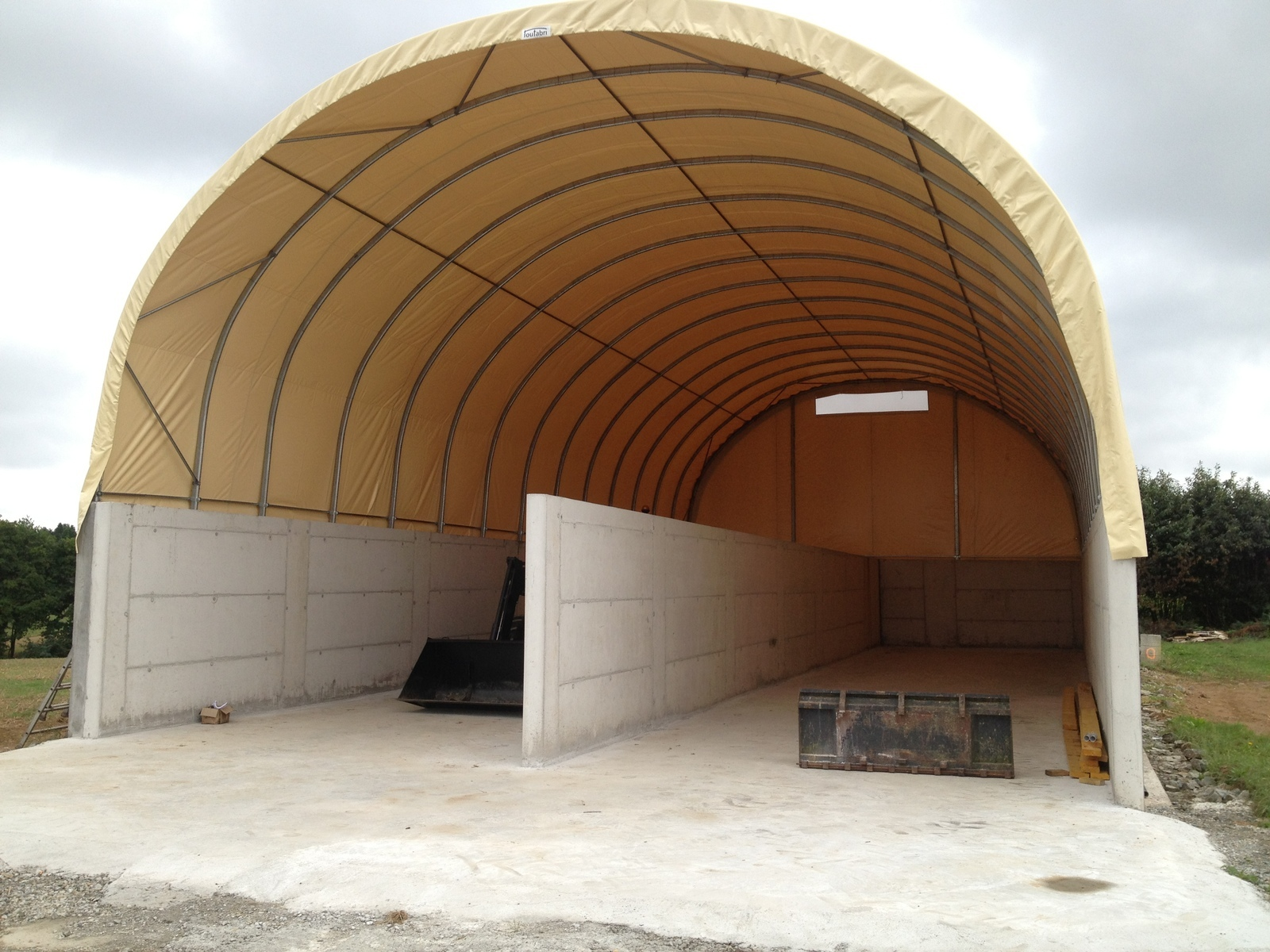 Stockage c r ales bretagne tunnel agricole bm n gociations for Abri de stockage agricole